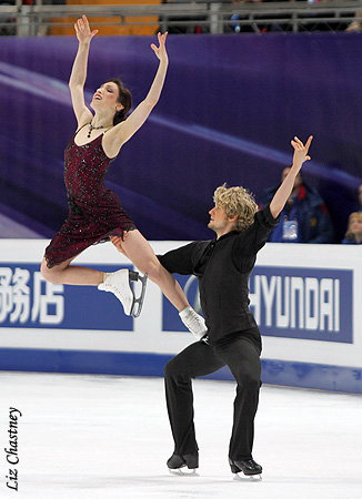 Meryl Davis and Charlie White performing their free dance at the 2011 World Figure Skating Championships. (Photo by Liz Chastney)