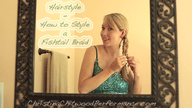 Hairstyle - How to Style a Fishtail Braid - Horizontal