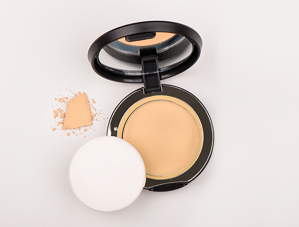 Younique Touch Mineral Pressed Powder Foundation
