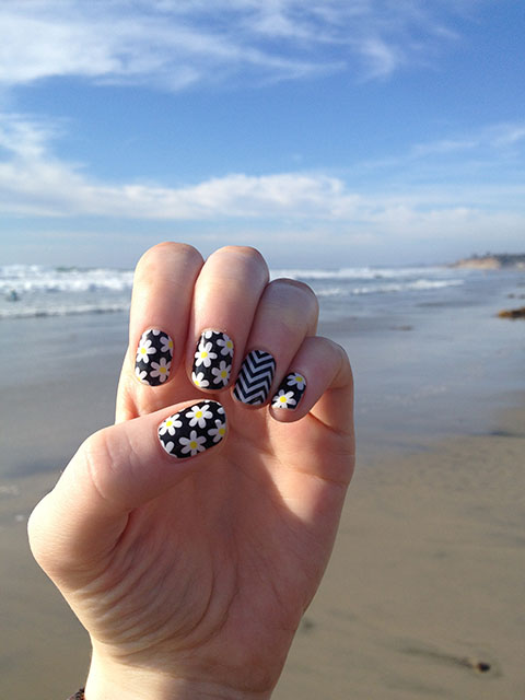 Two Favorite Jamberry Nail Wrap Styles – Simply Daisy with Black & White Chevron
