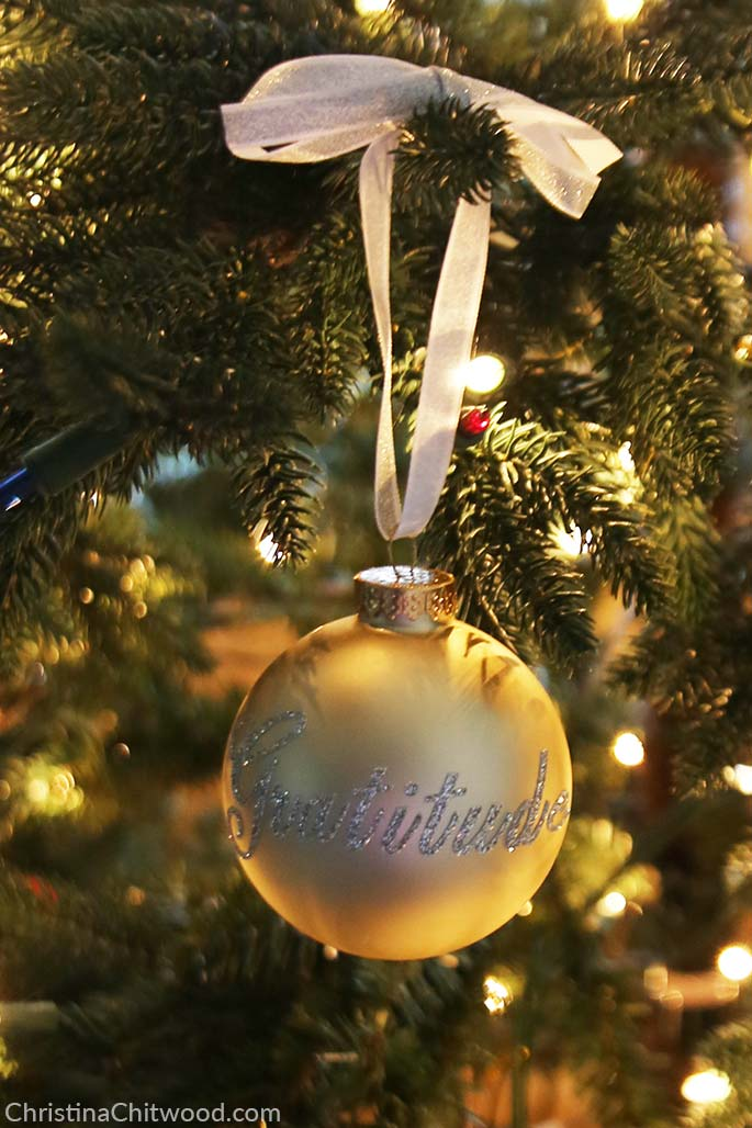 How to Make Easy, Sparkly Christmas Ornaments with a Message - 6