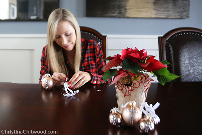 How to Make Simple, Crystal Christmas Ornament Designs - 5